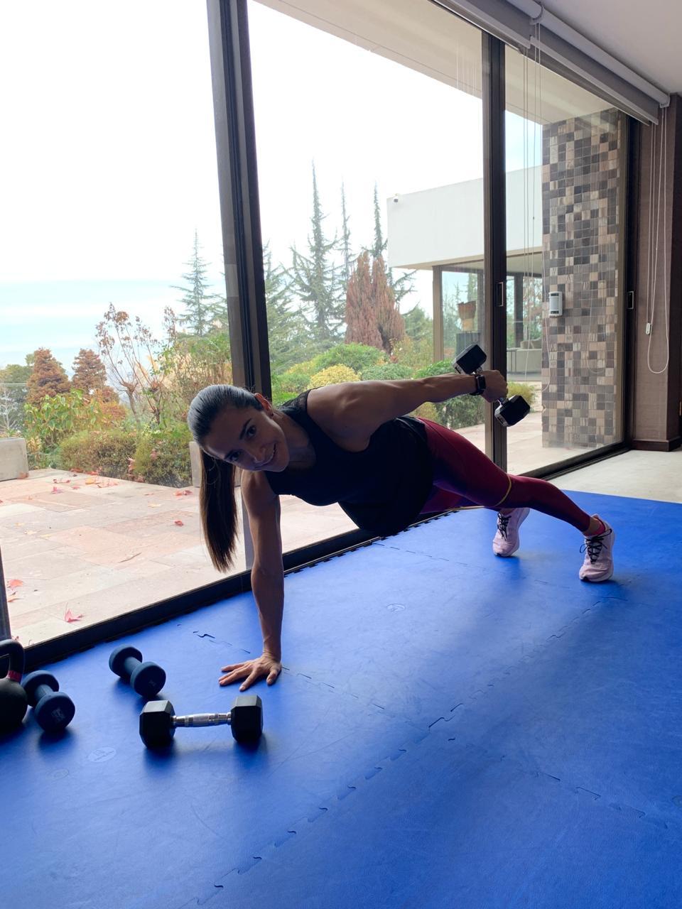 La importancia del ejercicio y la alimentación en tiempos de cuarentena: entrena en casa y seguro